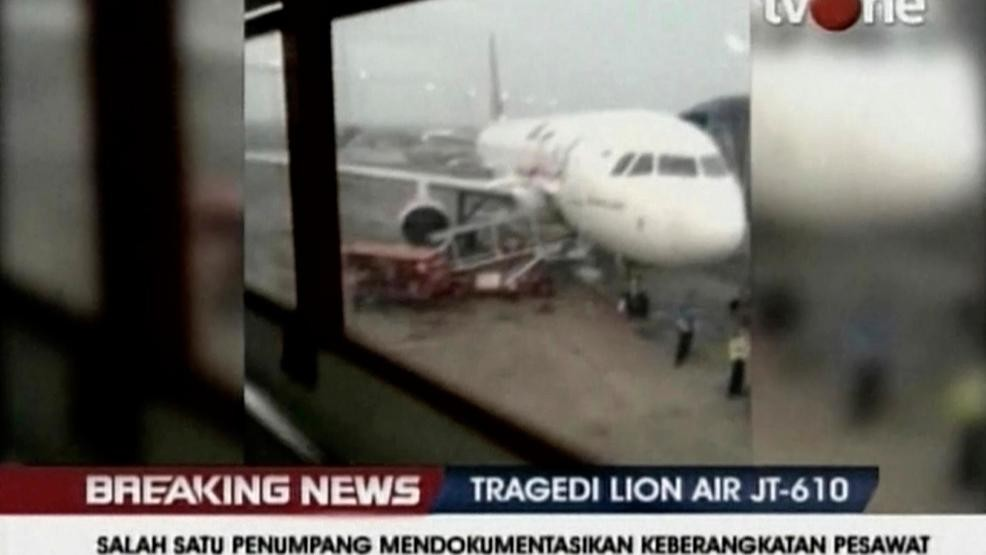 Chilling video shows passengers boarding fatal flight | KOMO