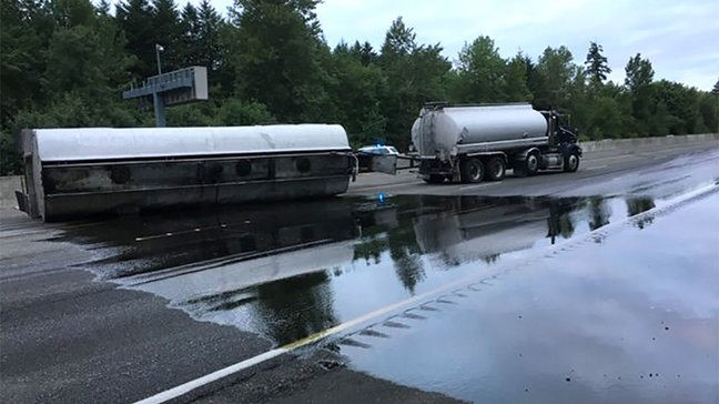 2 lanes of northbound I-5 reopened at Centralia semi crash