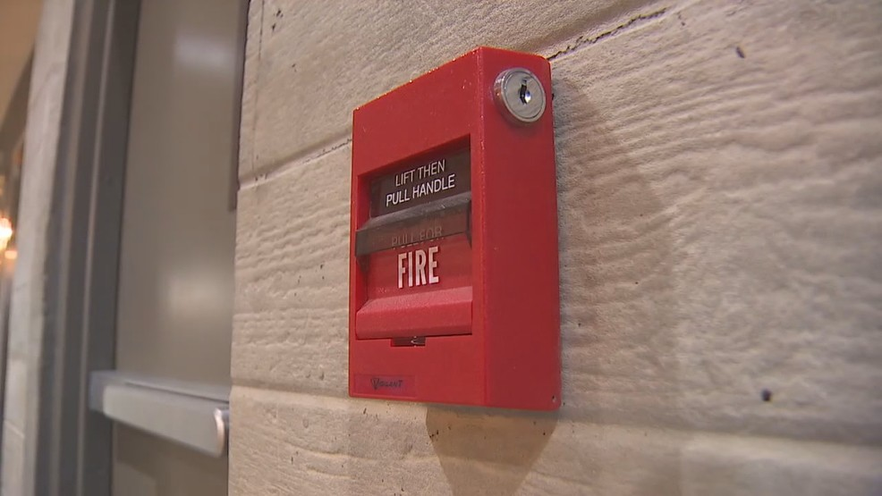 Fire Alarms Pulled As Distraction To Stage Apartment Burglaries Komo