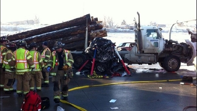 46 vehicles, logging truck collide in massive I-84 pileup | KOMO
