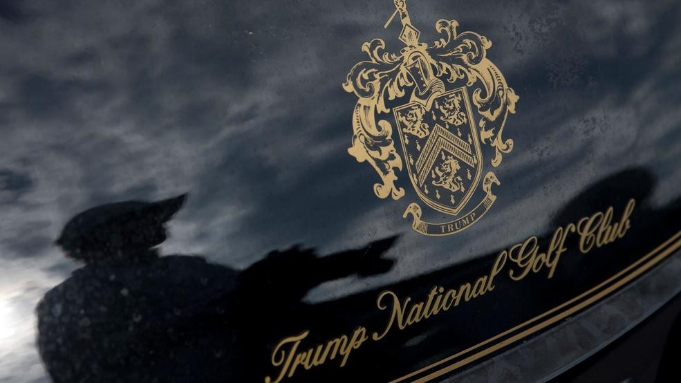 12 immigrant workers at Trump golf course fired, lawyer says