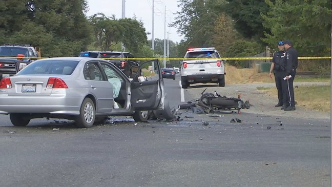 2 motorcycle riders dead in crash trying to run from deputies in