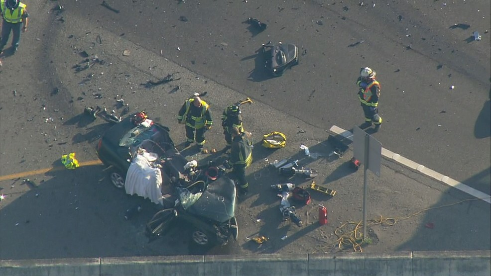 4-vehicle crash causes major delays on Highway 16 in Gorst | KOMO