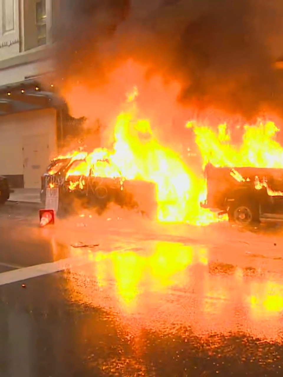 Live Updates Fires Rage In Seattle Protests National Guard Activated Komo