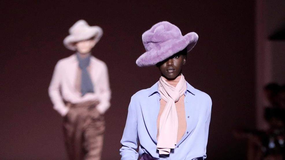 33d6d752129 Big hats and simple elegance for Tom Ford at NY Fashion Week