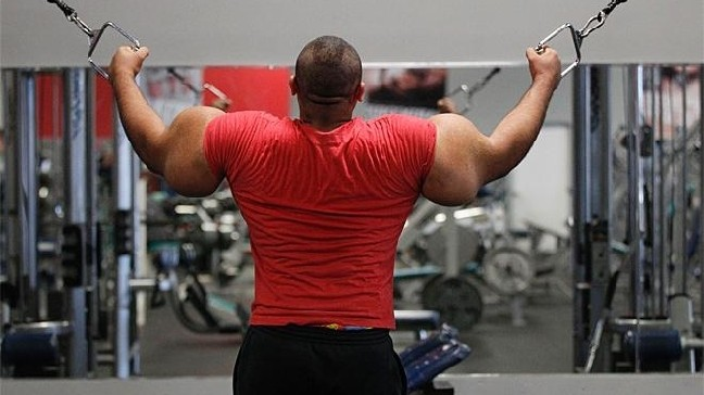 Egyptian Popeye' defends his 31-inch upper arms | KOMO