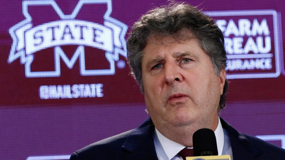 Mississippi State hires Mike Leach