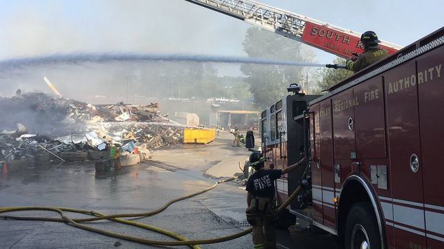 Scrap metal fire shuts down part of West Valley Hwy near Pacific | KOMO