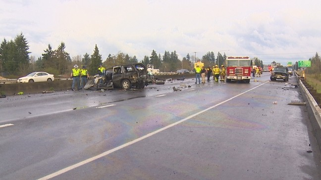2 dead, 4 hurt in wrong-way crash on SR-512 near Parkland | KOMO