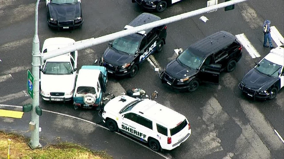 Robbery suspect injured after police pursuit, shooting | KOMO