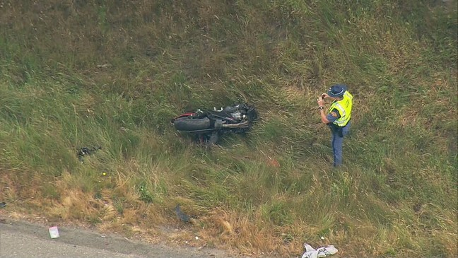Motorcyclist crashes after high-speed chase up I-5 | KOMO