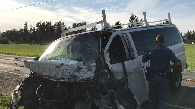 2 injured as van collides with semi in suspected DUI crash