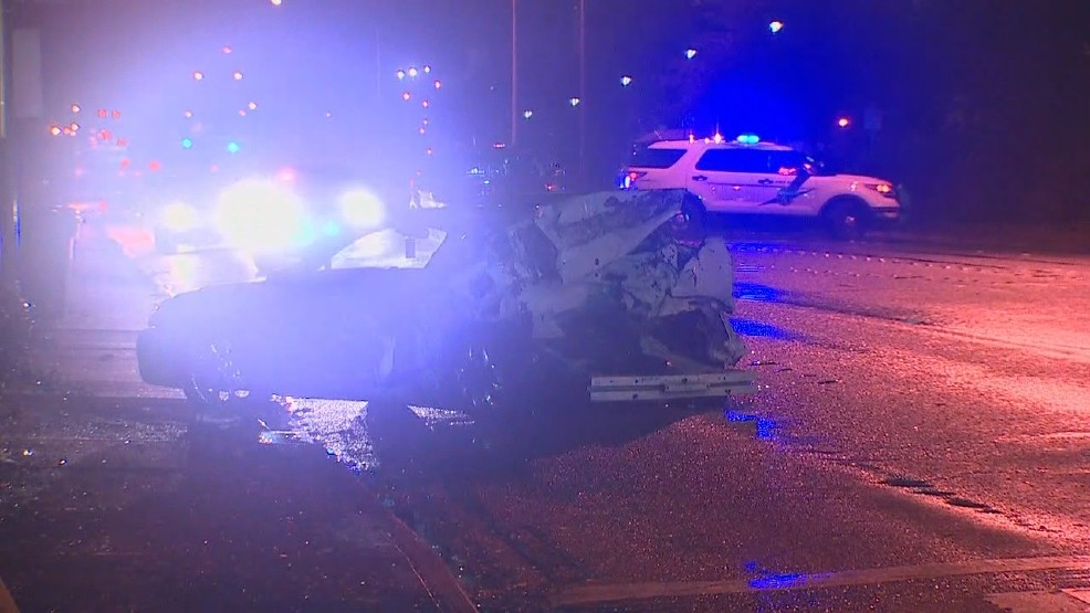 Police: 4 injured, major Bremerton roadway closed after