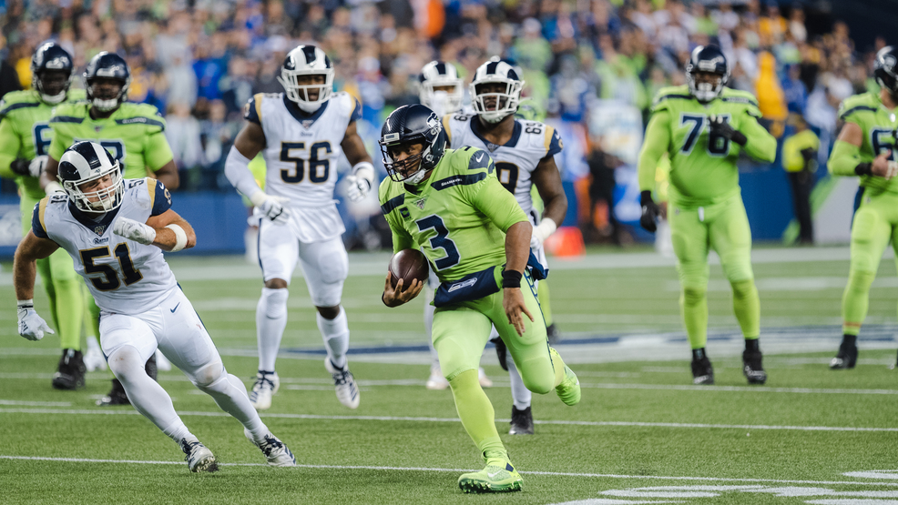 Wilson Throws 4 Td Passes Seahawks Hold Off Rams 30 29 Komo