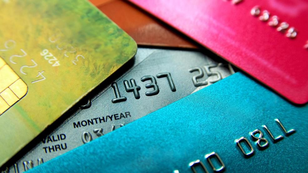 550 Credit Score Credit Card >> Will Carrying A Credit Card Balance Boost Your Credit Score Komo